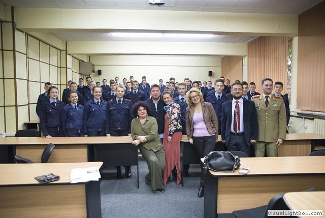 de_ce_sa_mergem_la_teatru,_conferinta_liceul_militar_2